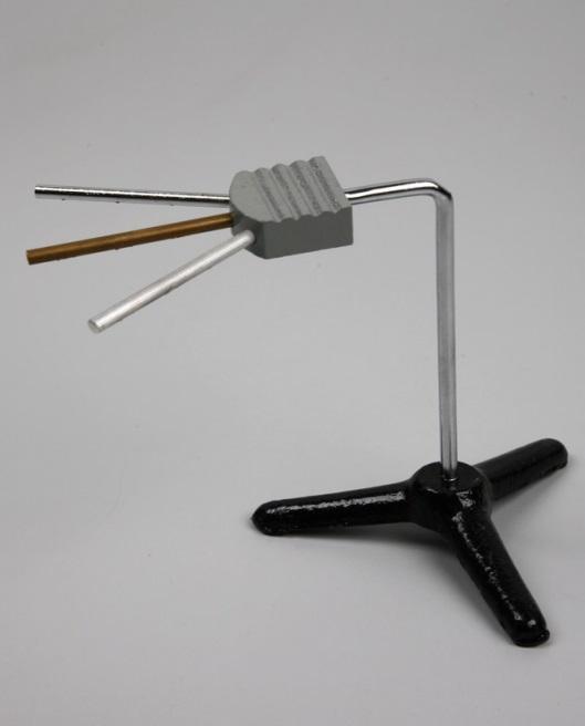 Прибор для демонстрации теплопроводности тел