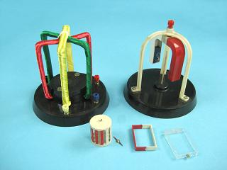 Прибор для демонстрации рамки в магнитном поле